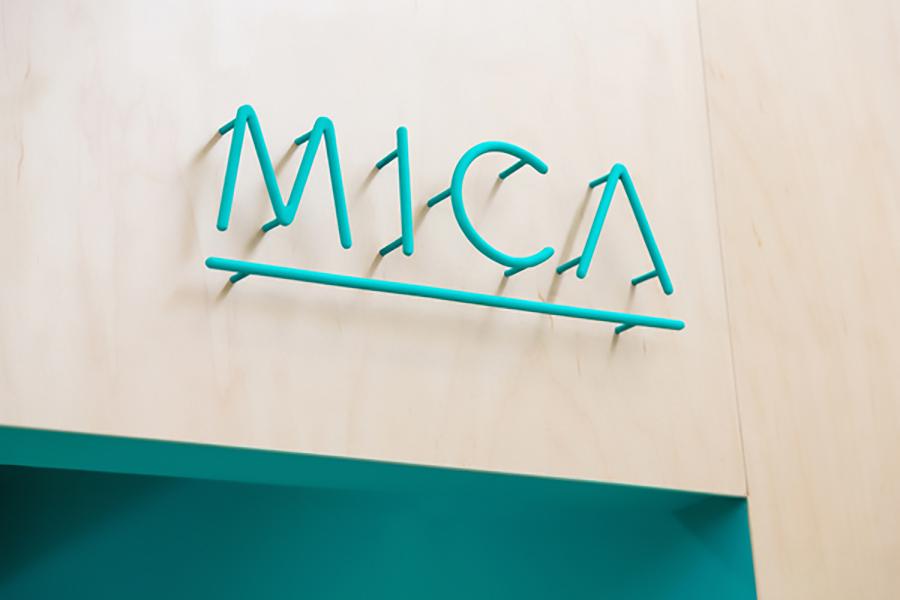 3 mẫu thiết kế bảng hiệu dưới ý tưởng chữ