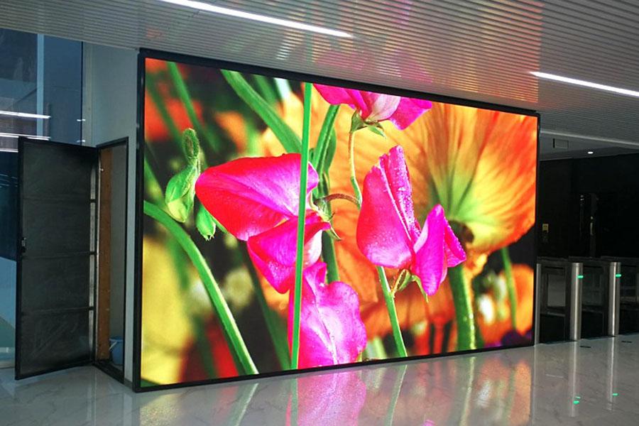 Báo giá thi công & lắp đặt  màn hình LED quảng cáo trong nhà