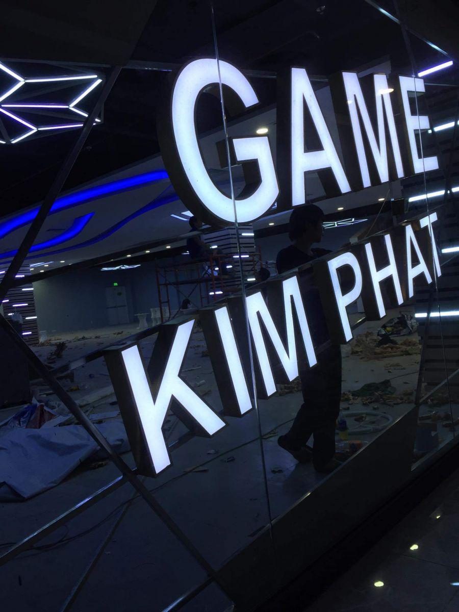 INOX có đèn trang trí phòng game trong siêu thị VICOM GÒ VẤP